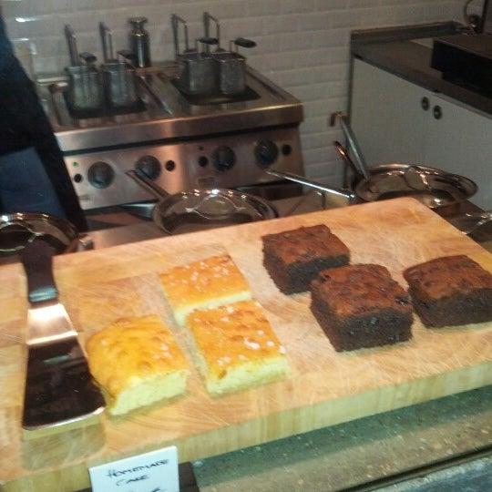 Das Foto wurde bei NOODELI - Pasta Take Away von Tobias H. am 11/14/2012 aufgenommen