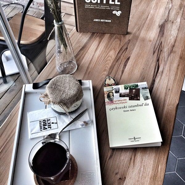 3/7/2017 tarihinde Muratziyaretçi tarafından Coffee Project'de çekilen fotoğraf