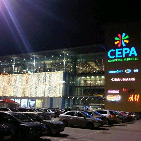Foto tirada no(a) Cepa por Murat em 12/14/2012