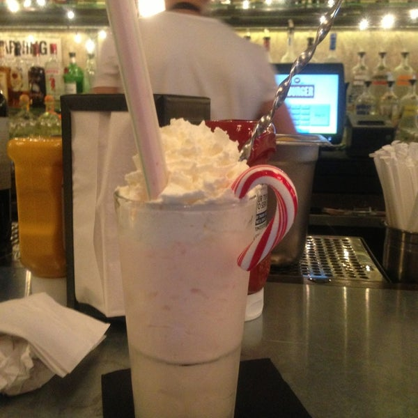 12/19/2012 tarihinde Evan J.ziyaretçi tarafından LT Bar & Grill'de çekilen fotoğraf