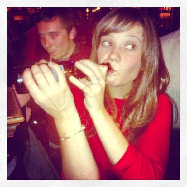 Foto tirada no(a) Four Farthings Tavern & Grill por Niall C. em 11/4/2012