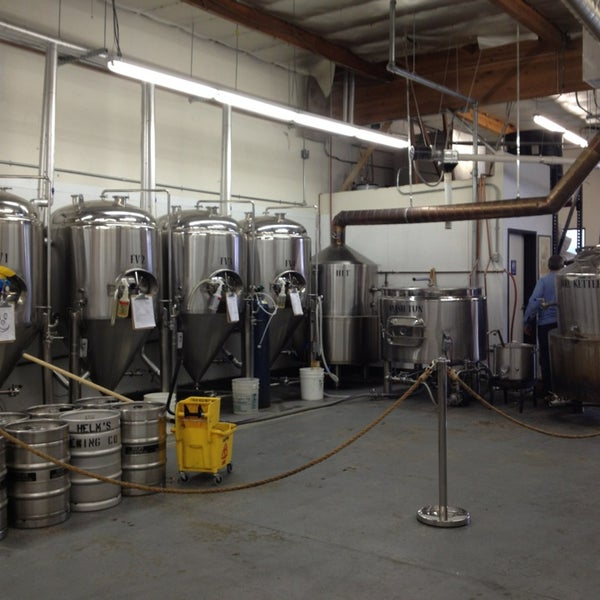Foto diambil di Helm's Brewing Co. oleh Manny L. pada 2/19/2013