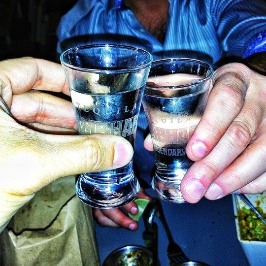 Снимок сделан в TNT - Tacos and Tequila пользователем Knox K. 11/24/2012
