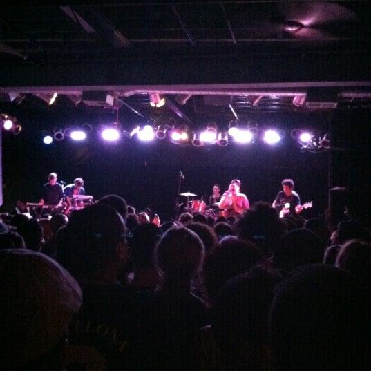 Photo prise au Bottom Lounge par Eliot le10/4/2012