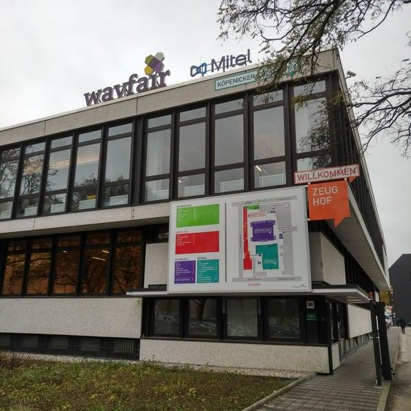 wayfair office berlin b ro in berlin. Black Bedroom Furniture Sets. Home Design Ideas