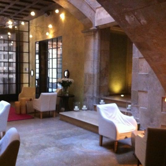 Foto diambil di Hotel Neri oleh Susana P. pada 10/6/2012