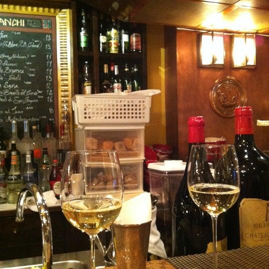 Foto diambil di Bottega del Vino oleh Özge A. pada 10/22/2012
