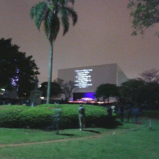 11/2/2012에 Fernando P.님이 Auditório Ibirapuera Oscar Niemeyer에서 찍은 사진