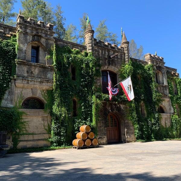 Foto diambil di Chateau Montelena oleh Jody B. pada 7/2/2021