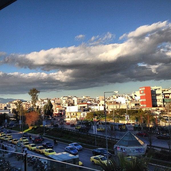 รูปภาพถ่ายที่ Athens Metro Mall โดย Giannis 😎 L. เมื่อ 2/11/2013