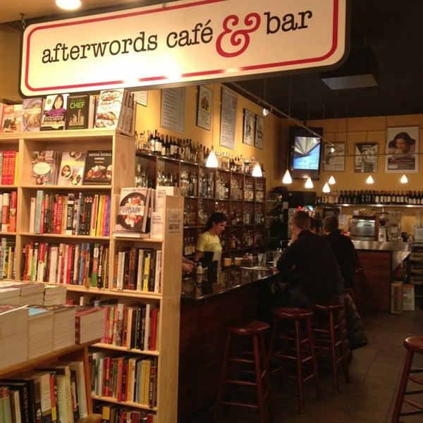 Photo prise au Kramerbooks & Afterwords Cafe par Erin le2/3/2013