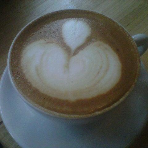 4/15/2013にL. L.がCondesa Coffeeで撮った写真
