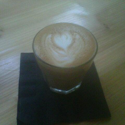 6/23/2013にL. L.がCondesa Coffeeで撮った写真