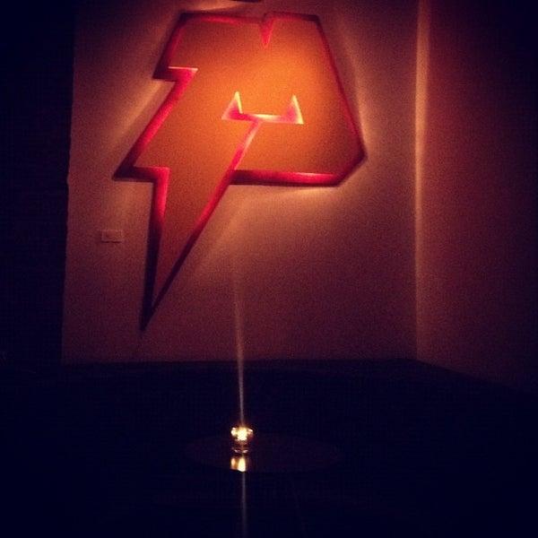 1/19/2013 tarihinde Doris C.ziyaretçi tarafından Ghost'de çekilen fotoğraf