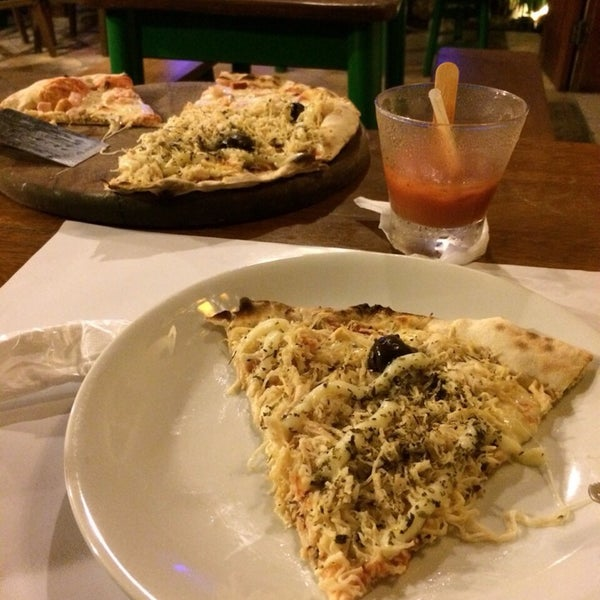 Photo prise au Pitanga Pizzaria par Samille T. le9/11/2014