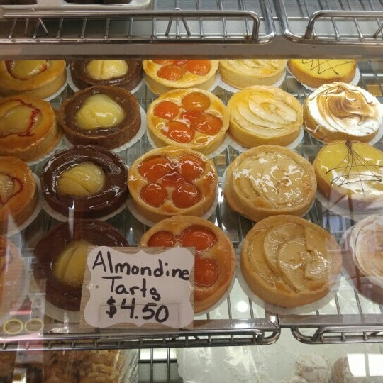 Foto tomada en Settepani Bakery por Jason P. el 5/16/2016