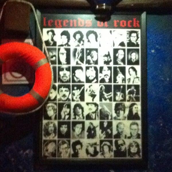 Foto tirada no(a) Deep Blue Bar por Gönül B. em 12/21/2012