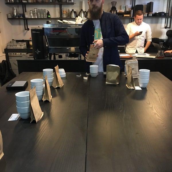 Foto tomada en Established Coffee por jordaneil el 11/30/2017