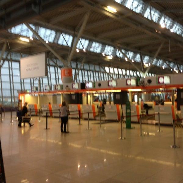 3/7/2013에 Ev P.님이 바르샤바 쇼팽 공항 (WAW)에서 찍은 사진
