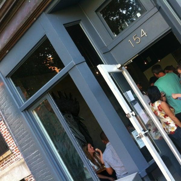6/11/2013에 thecoffeebeaners님이 Lulu & Po에서 찍은 사진