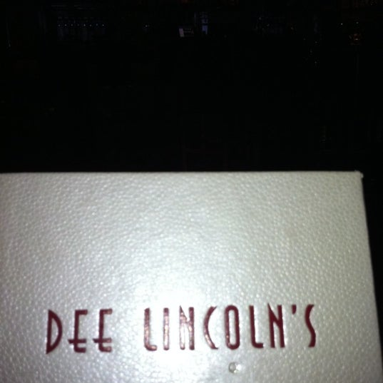 Photo prise au Dee Lincoln's Bubble Bar & Private Events par Sondra P. le7/9/2013