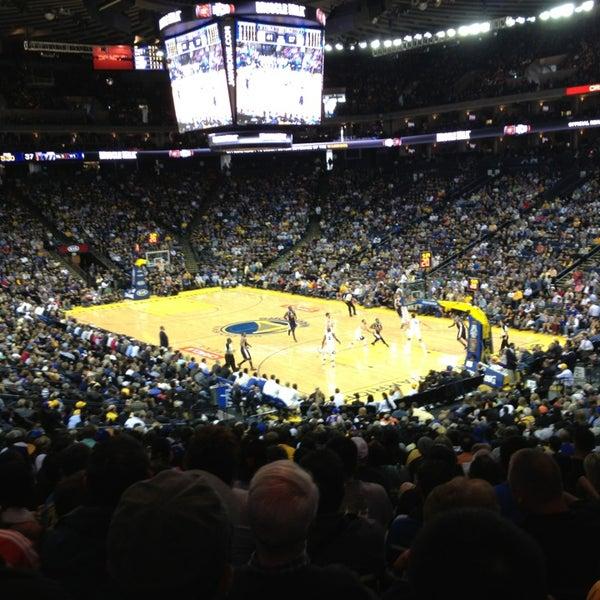 รูปภาพถ่ายที่ Oakland Arena โดย Sofia L. เมื่อ 4/8/2013