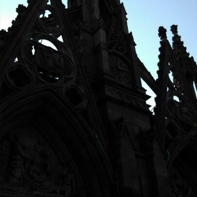Foto tomada en Green-Wood Cemetery por Arch S. el 11/11/2012