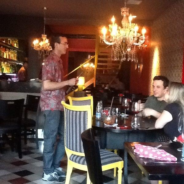 รูปภาพถ่ายที่ Restaurante Almodovar โดย Silvana S. เมื่อ 4/6/2013