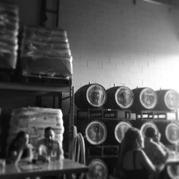 Foto tirada no(a) SingleCut Beersmiths por Daniel B. em 6/22/2013