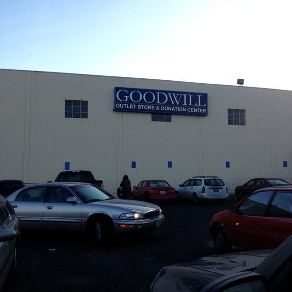 northeast portland goodwill store - 600×600