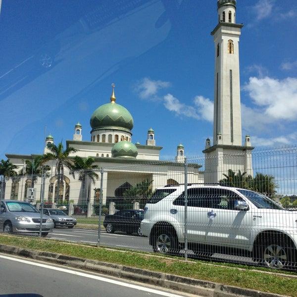 2/1/2013 tarihinde hosny a.ziyaretçi tarafından Masjid Al-Ameerah Al-Hajjah Maryam, Kg Jerudong'de çekilen fotoğraf