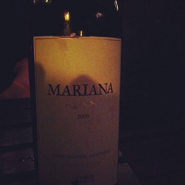 Foto tomada en OAK Restaurant & Wine Bar por Noah H. el 9/27/2012