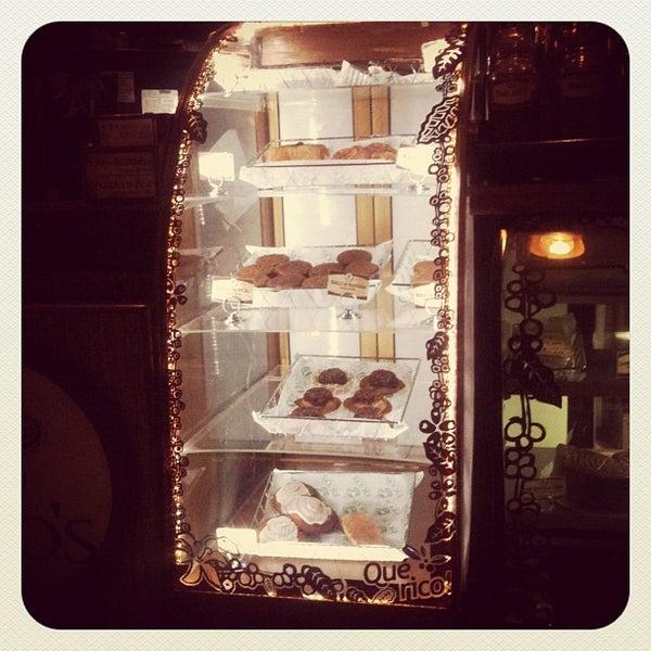 Foto tomada en Rico's Café Zona Dorada por Edgar F. el 10/25/2012