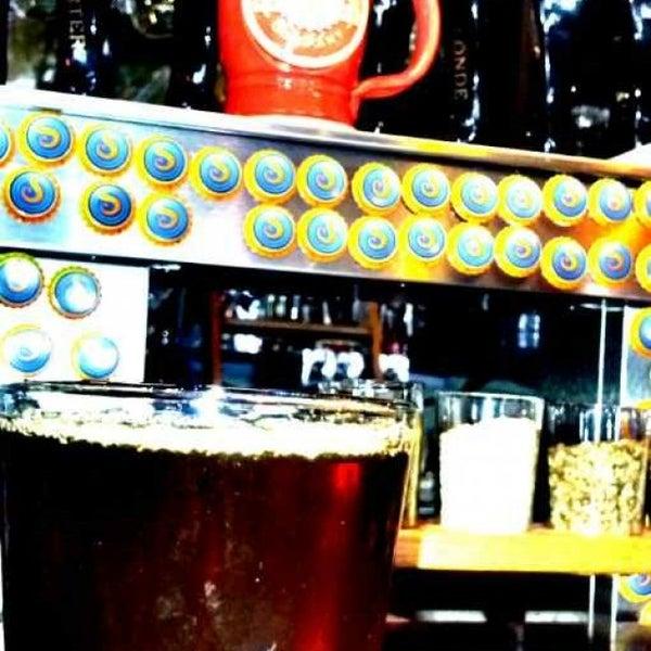 Снимок сделан в Saugatuck Brewing Company пользователем Kerry L. 5/4/2013