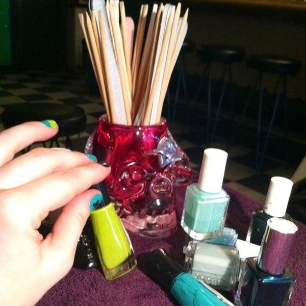 Foto diambil di Beauty Bar oleh Lefty L. pada 3/17/2013
