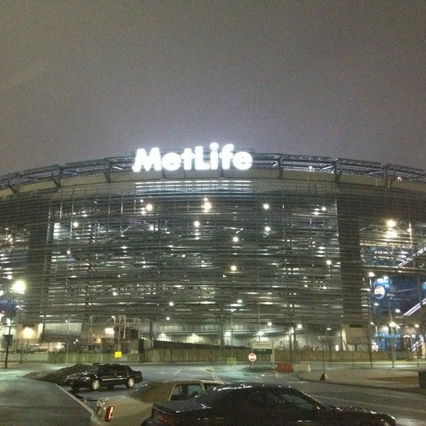 รูปภาพถ่ายที่ MetLife Stadium โดย Gary H. เมื่อ 2/24/2013