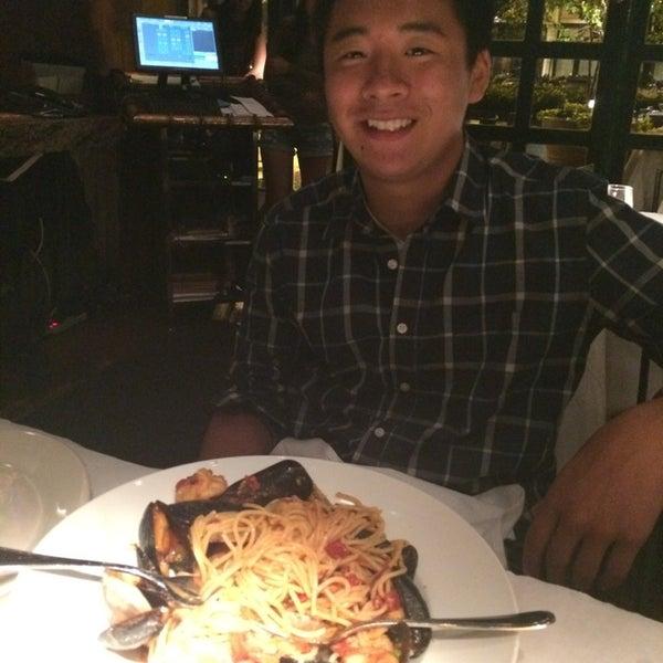 Foto diambil di Vivo Restaurant oleh May T. pada 7/1/2014