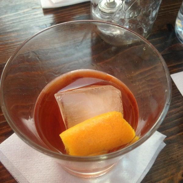 Das Foto wurde bei Uptown Tavern von Belinda C. am 5/27/2013 aufgenommen