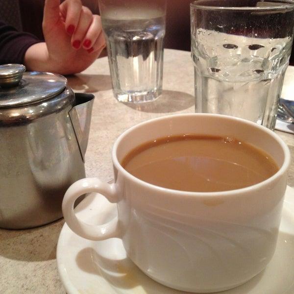 Photo prise au Morning Star Cafe par Amanda A. le1/13/2013