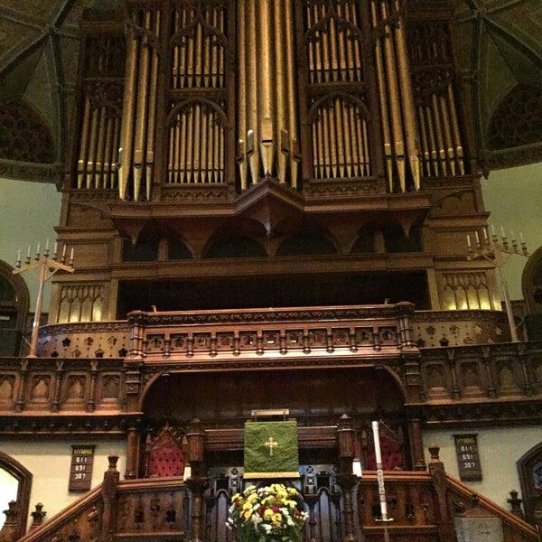 Foto diambil di Fifth Avenue Presbyterian Church oleh Gary K. pada 6/2/2016