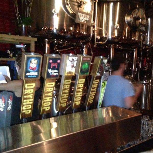 6/22/2013에 Zach R.님이 DryHop Brewers에서 찍은 사진