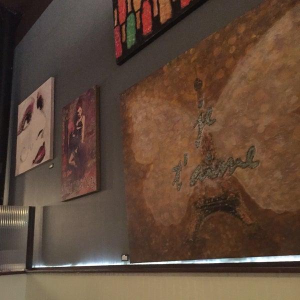 Снимок сделан в Le Midi Bar & Restaurant пользователем Rob L. 6/29/2016
