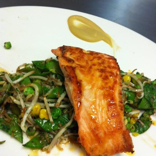 รูปภาพถ่ายที่ Jaso Restaurant โดย Héctor G. เมื่อ 12/23/2012