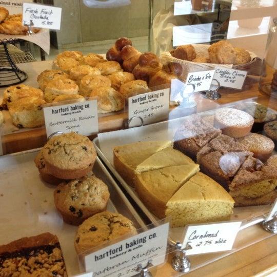 3/1/2012에 Celeste Z.님이 Hartford Baking Company에서 찍은 사진