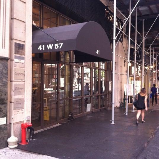 Foto tomada en Brasserie Pushkin por Christopher J. el 8/13/2012