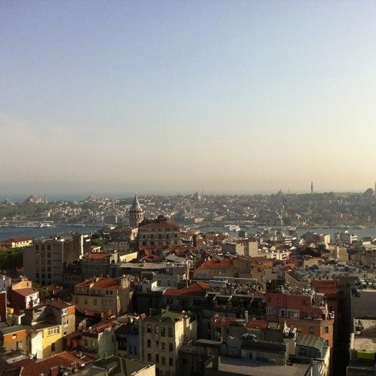 Foto diambil di Mikla oleh ROSSİ BARBAROSSA ASMALİMESCİT T. pada 5/2/2012