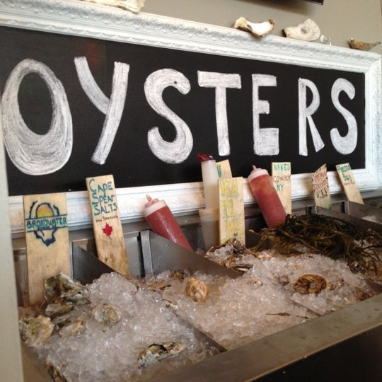 Photo prise au Henlopen City Oyster House par Randall F. le6/23/2012