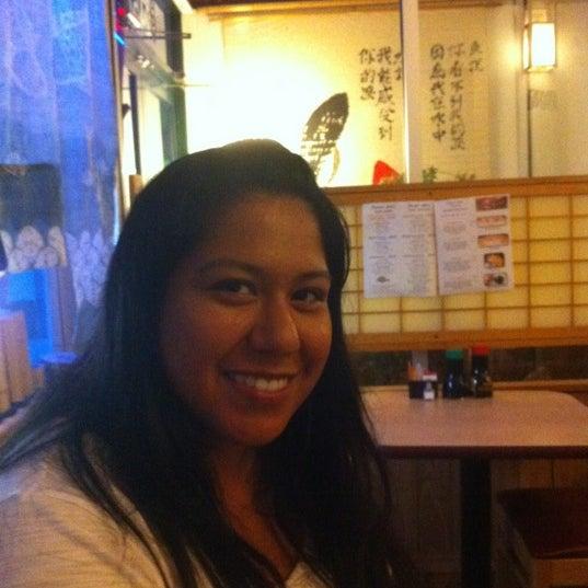 Foto scattata a Sushi-Zen da Cat C. il 6/13/2012