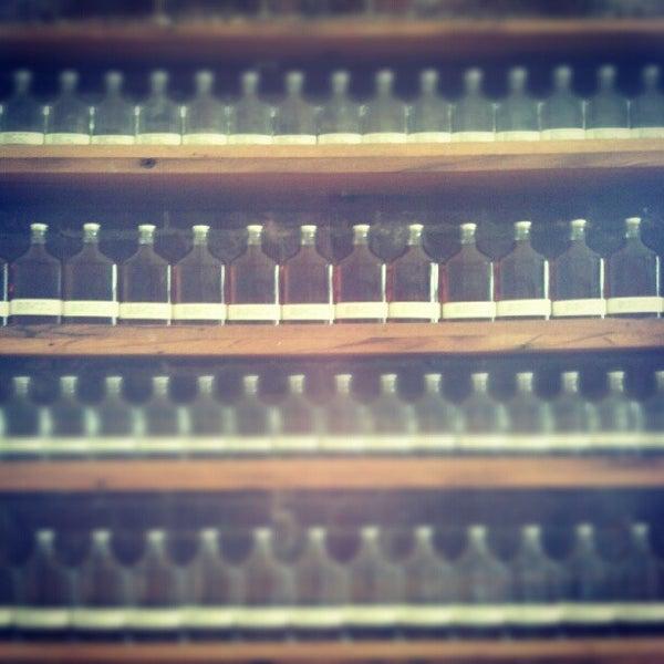 Foto diambil di Kings County Distillery oleh Jordan K. pada 7/7/2012