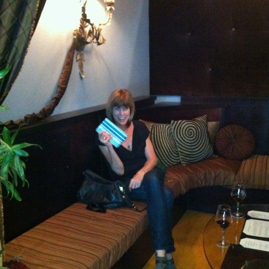 9/9/2012 tarihinde Brad W.ziyaretçi tarafından Thumbprint Cellars Tasting Room & Art Gallery'de çekilen fotoğraf